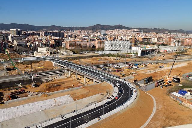 Circulación de vehículos y personas por el nuevo puente - 30-01-12