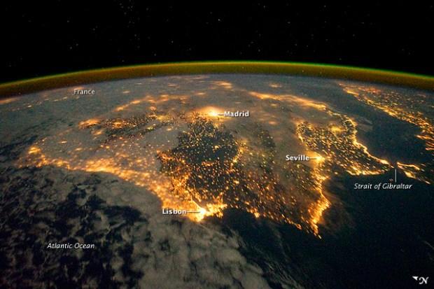 La Península Ibérica de noche