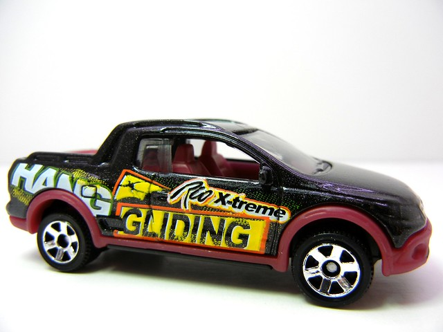 MATCHBOX VOLKSWAGEN SAVEIRO CROSS BLK (2)