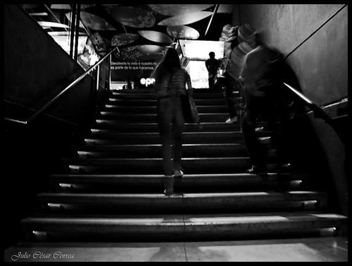 Subiendo escalas by Julio César Correa