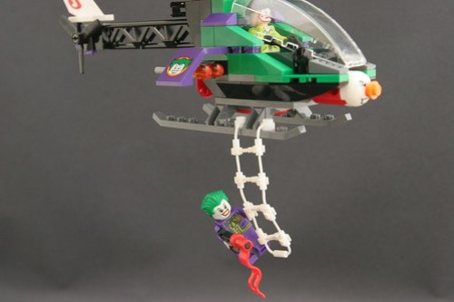 6863 Batwing Battle Over Gotham City - Joker's Helicopter 14