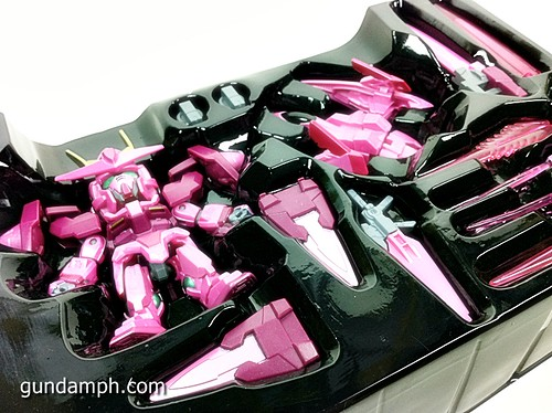 SD Gundam Online Capsule Fighter Trans Am 00 Raiser Rare Color Version Toy Figure Unboxing Review (10)