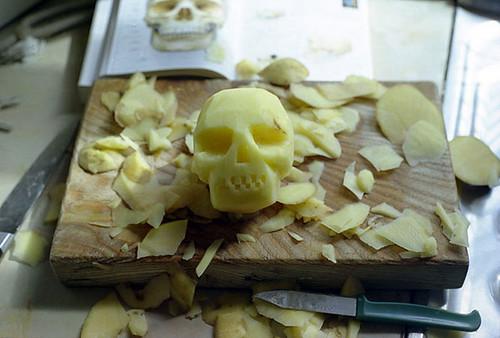 David Shrigley, Potato Skull, 1999