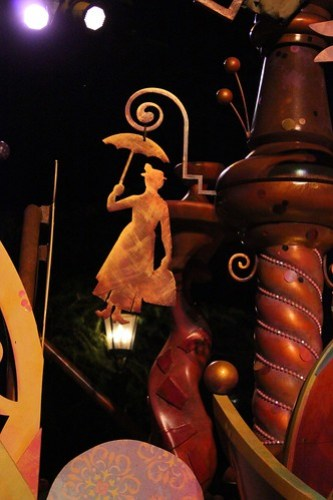 Mary Poppins detail - Mickey's Soundsational Parade