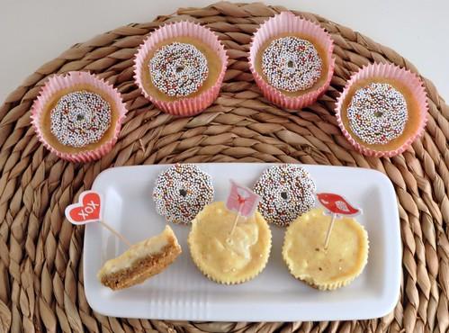 Amaretto cheesecakes