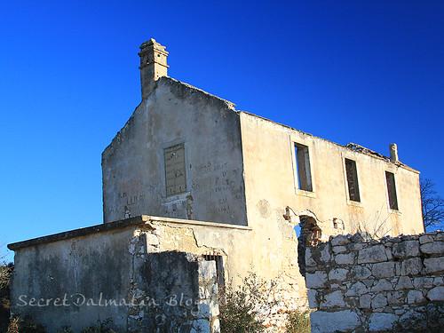 The abandoned houses of Pedišić family