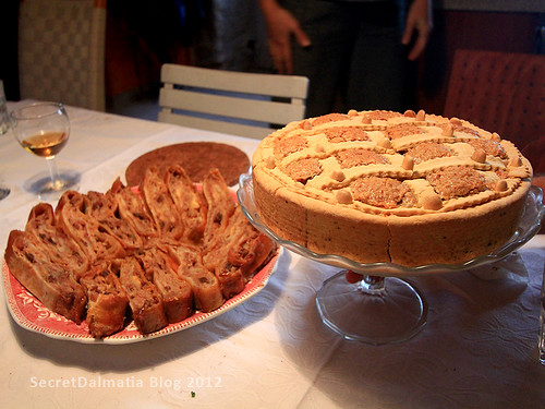 Imotska torta cake and traditional apple stroudel