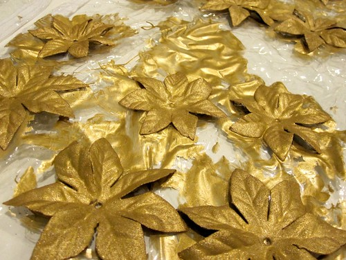 Gold base on the flowers