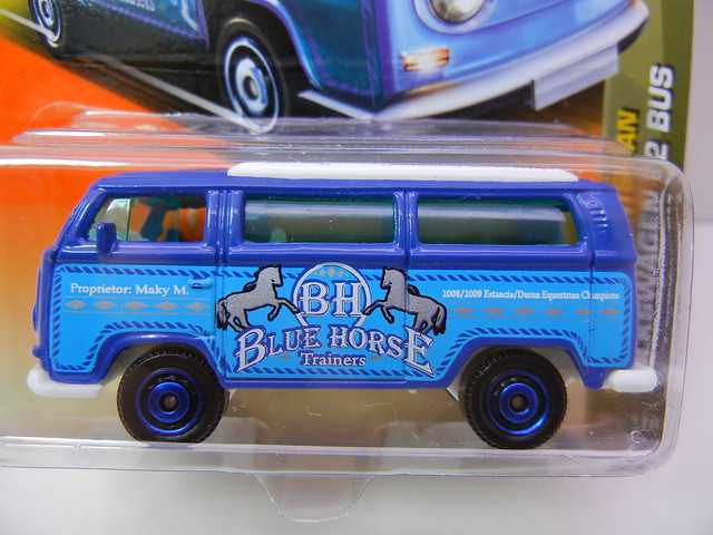 MATCHBOX VOLKSWAGEN T2 BUS (2)