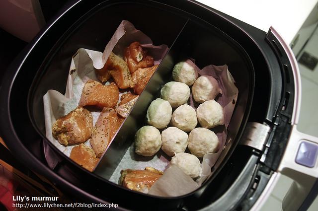 加上隔板的好處就是可以一次處理兩種食材。