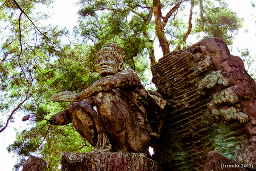 Igorot Statue by israelv