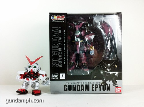 SD Gundam Online Capsule Fighter EPYON Toy Figure Unboxing Review (2)