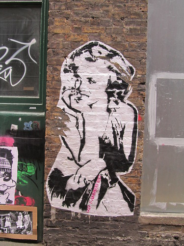 Street Art & Graffiti in Shoreditch - Mr Dot Fahrenheit