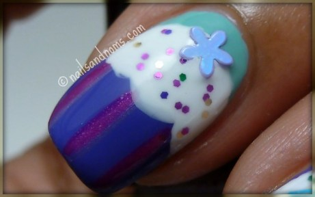 Cupcake Nails - Pointer Finger