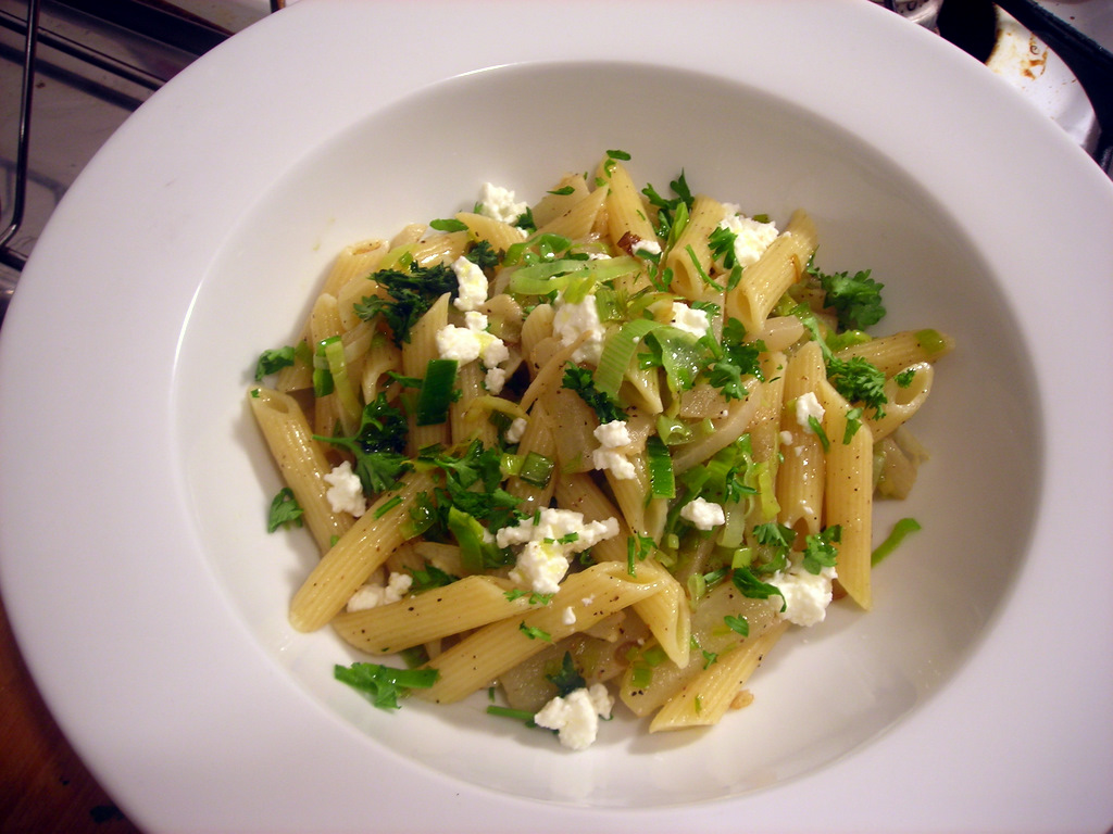 Penne with turnips, leeks and ricotta cheese