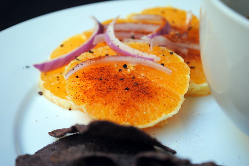 Orange and Red Onion Salad with Red Pepper
