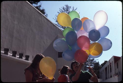 kresge-balloons