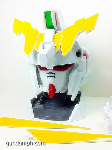 Banpresto Gundam Unicorn Head Display  Unboxing  Review (19)