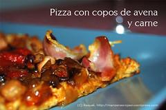 Pizza con copos de avena y carne
