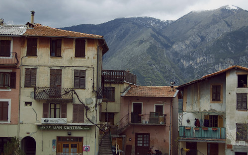 Rooftops & Mountains