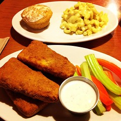 Hot Things! Mac unCheese and Cornbread