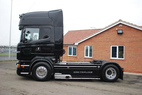 R730 VERY BIG CAR