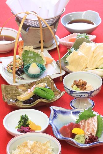 Dinner at Omuro Kaikan Hall