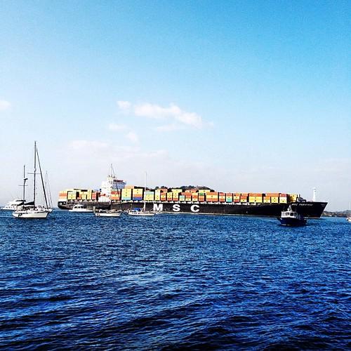 #colorful #cargo #ship #panamacanal #ciudaddepanama #panama #igerspanama #pacific #ocean #water #boats #sky