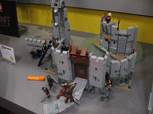 Toy Fair 2012 - The Lord of the Rings - 9474 The Battle of Helm's Deep - 01