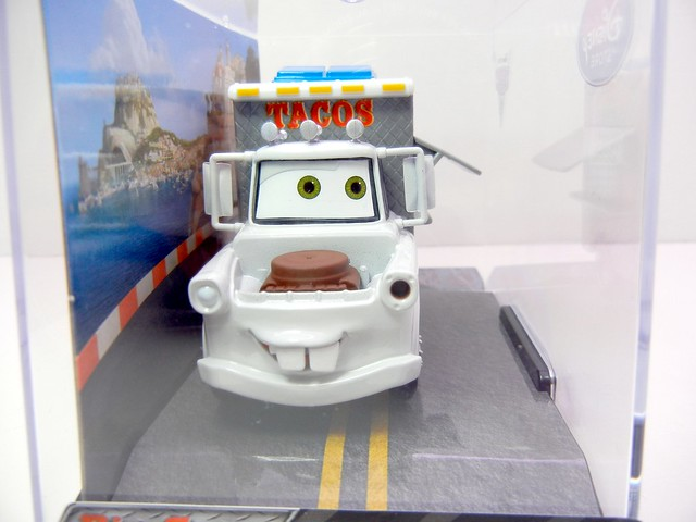 disney store cars 2 taco truck mater (2)