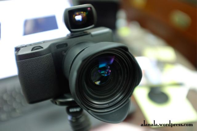Ricoh GRD IV + GW-2 + Voigtlander 21/25mm OVF