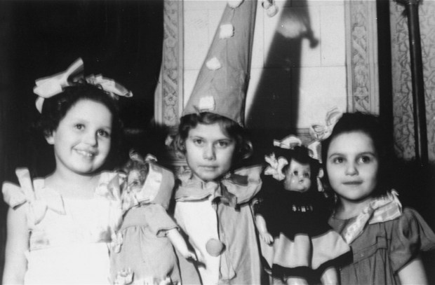 018---022---Hanukkah celebration at an orphanage for Jewish children in Lodz run by the Koordynacja (Coordination Committee)