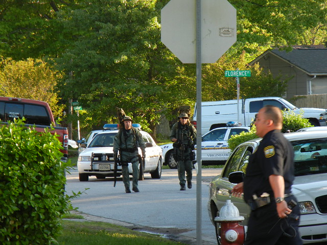 virginia beach barricaded person 4-2012 (38)