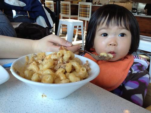 eat mac & cheese.jpg