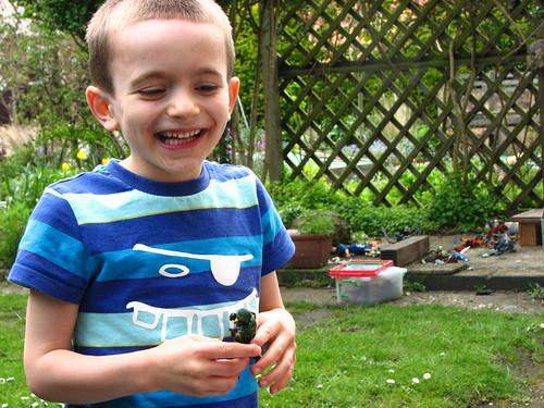 r happy in the garden