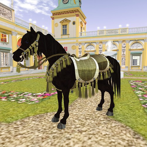 4-22-12 Hoof It! Horse Avatar for Fantasy Faire