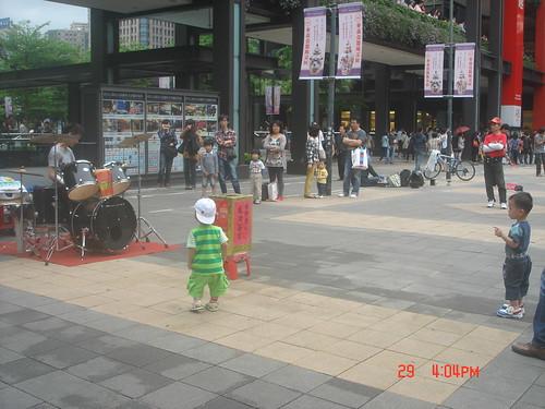 街頭藝人_新光三越信義19