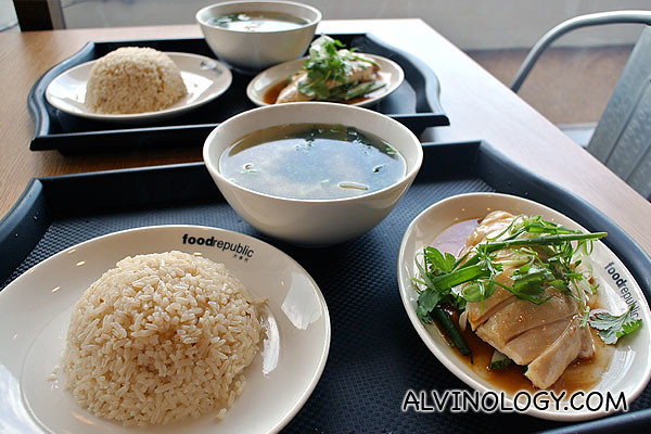 Wee Nam Kee Chicken Rice - Chicken Rice with Dumpling set