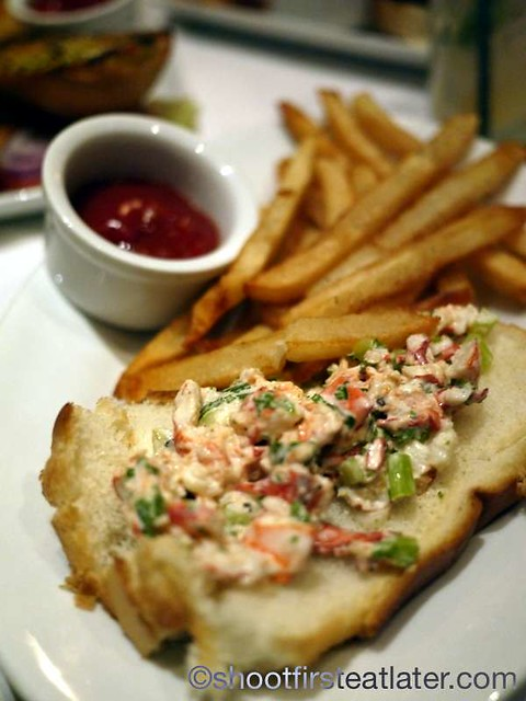 Ruth's Chris Sizzle, Swizzle & Swirl Happy Hour- New England Lobster Roll With Fries