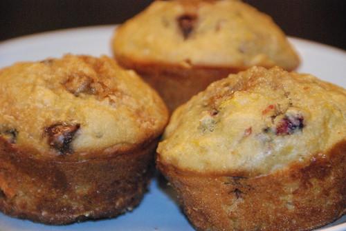 Sugarless Yogurt muffins infused with blood oranges