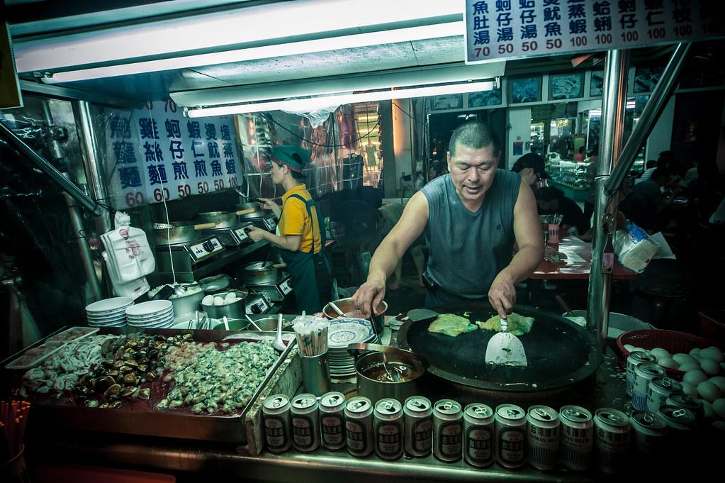 Kaohsiung Night Market (not where I got the dirty longans | Nikon D700 Sigma 12-24 lens F6 1/125 ISO 1600