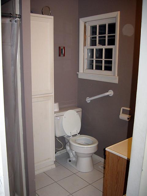 Back Bathroom - Before