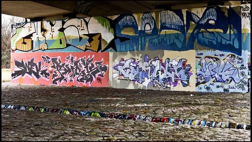Flutrinnenbrücke Übigau/Graffiti