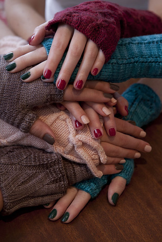 Soakbox: may your nails match your knits. #5