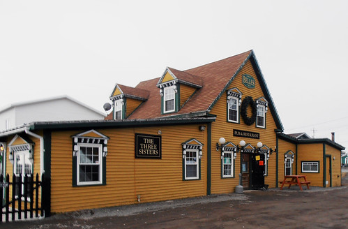 Three Sisters Pub and Belle's Resturant