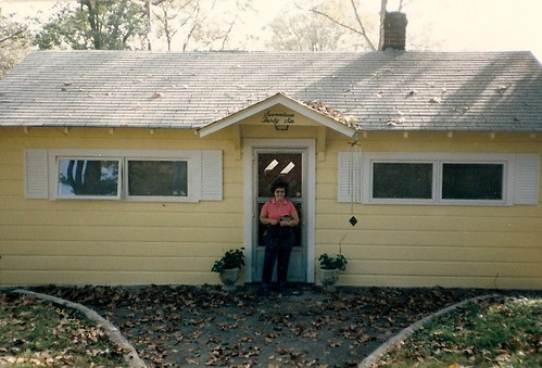 Little yellow cottage in Chattanooga