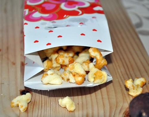 Caramel Popcorn Twists