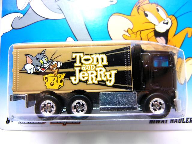 hot wheels hanna barbera tom and jerry hiway hauler (2)