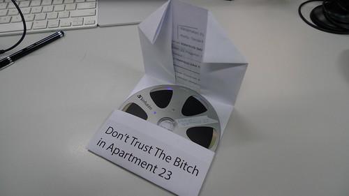 Sampul CD/DVD menggunakan kertas A4