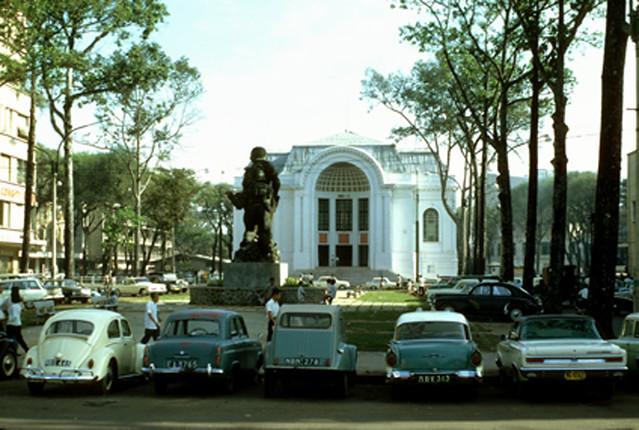 Saigon - Lam Son Square